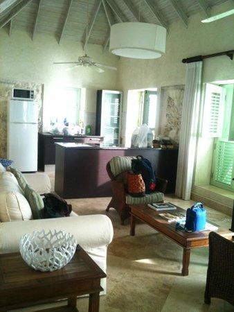 Little Good Harbour: Living room/Kitchen