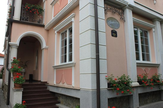 Garni Hotel Andjelika: Outside