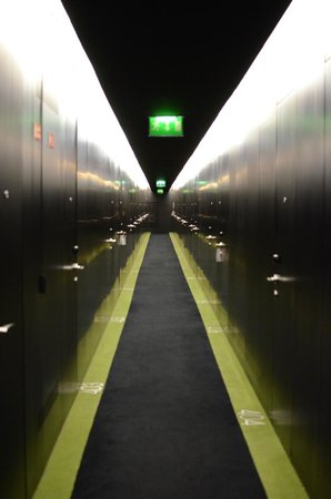 DoubleTree by Hilton Lisbon - Fontana Park: Coolest hallway to rooms