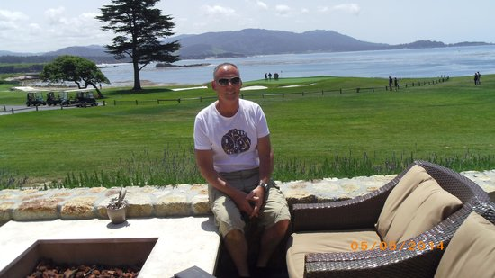 Pebble Beach Golf Links: looking over the 18th hole