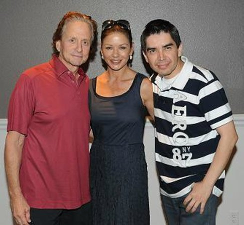 Armando Vera Magic Show: Michael Douglas and Catherine Zeta-Jones after enjoying Armando's Show.