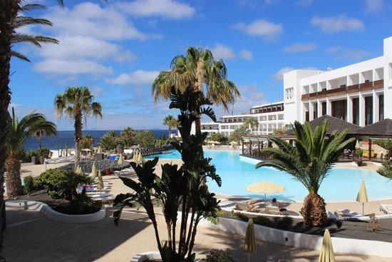 Hesperia Lanzarote : view of main pool area from our room