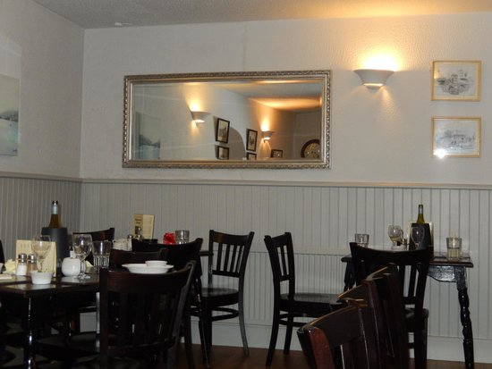 Middle Street Fish Bar: Dining room
