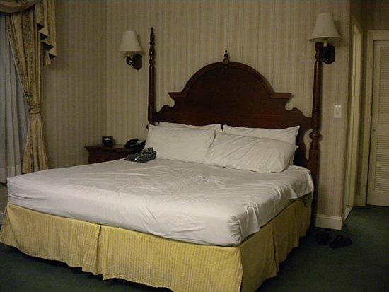 Hotel Stanford : letto