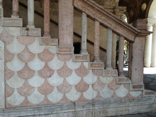 Basilica Palladiana : Stairs leading to the first floor