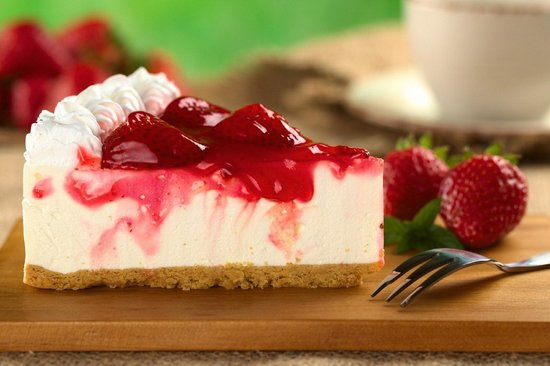 Flames Famous Grill & Steakhouse: Strawberry Cheesecake