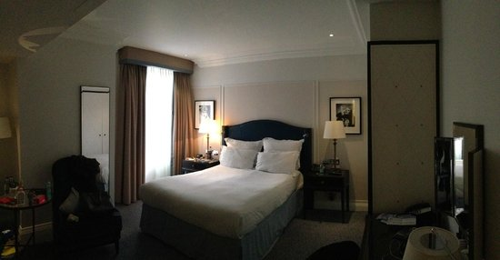 The Waldorf Hilton London: Værelse