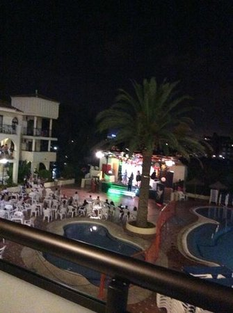 Hotel Puente Real: spectacle