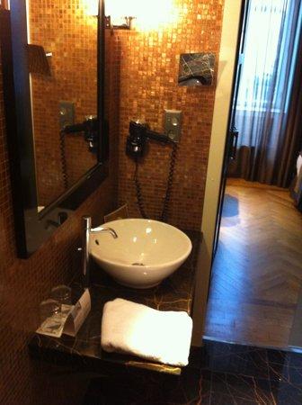 Eurostars Thalia Hotel: bath