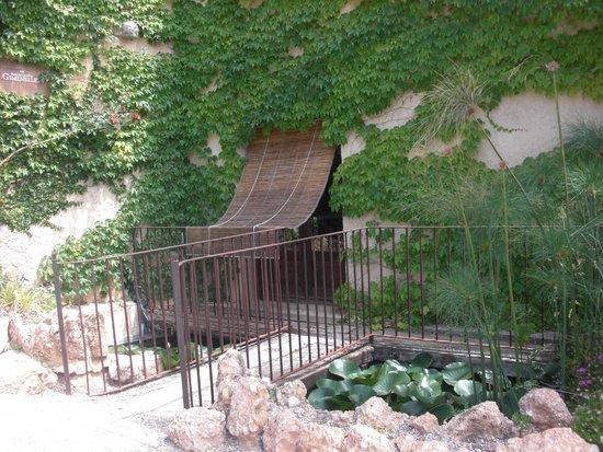 Hotel Castell de Gimenelles: Entrada