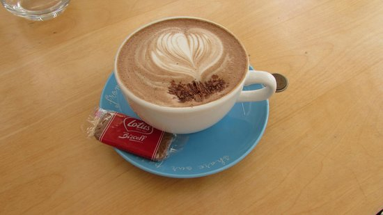 The Front Room Penzance: Delicious coconut mocha!