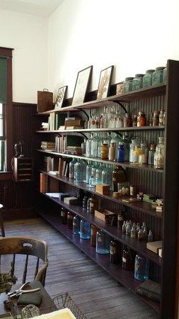 Edison & Ford Winter Estates : One view of Edison's Lab