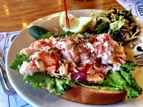 Cappy's Chowder House: Lobster Roll