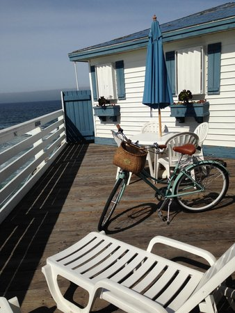 Crystal Pier Hotel & Cottages: The private deck area