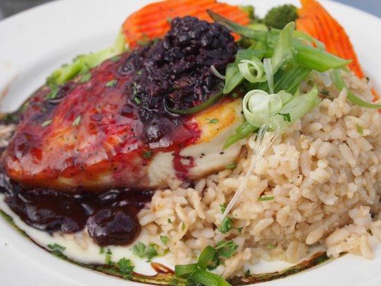 Chena's Alaskan Grill: Halibut