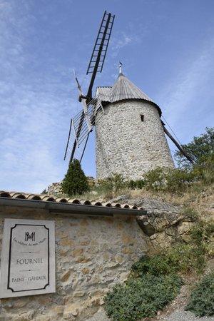 Les Maitres de Mon Moulin : El Moulin