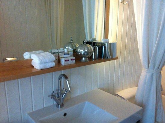 Boundary Rooms & Suites: Detalj badrum
