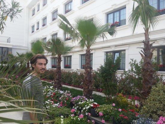 Sura Hagia Sophia Hotel : lovely garden