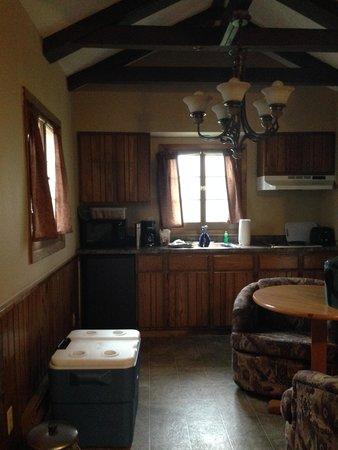 Sylvan Lake Lodge: Kitchen in the housekeeping cabin