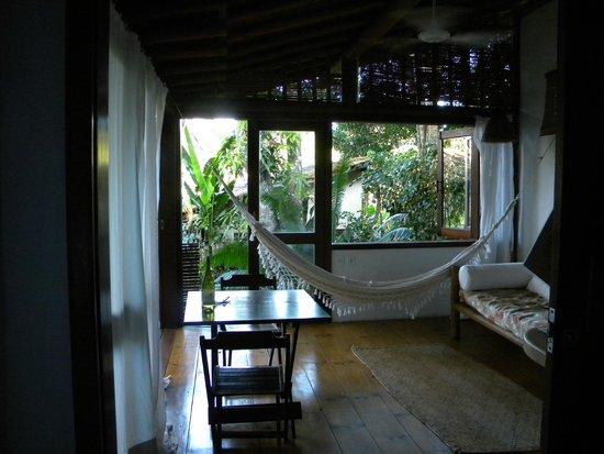Soleluna Casa Pousada: Sala com cozinha