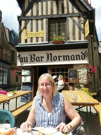Au Bar Normand : Outside the bar, great meal and lovely staff in a beautiful area