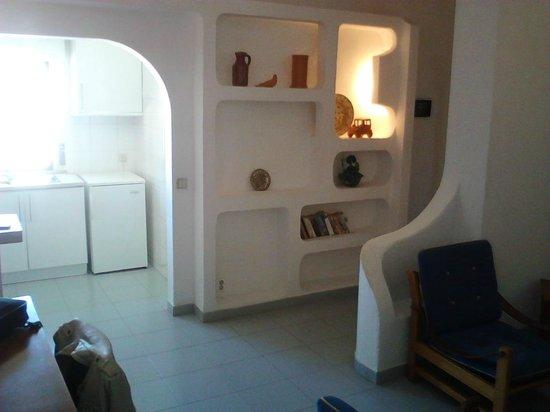 Prado do Golf: offene Küche und Eingangsbereich