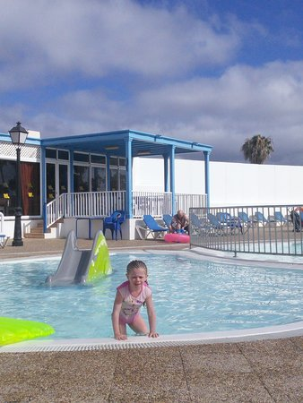 Hyde Park Lane: Child's pool