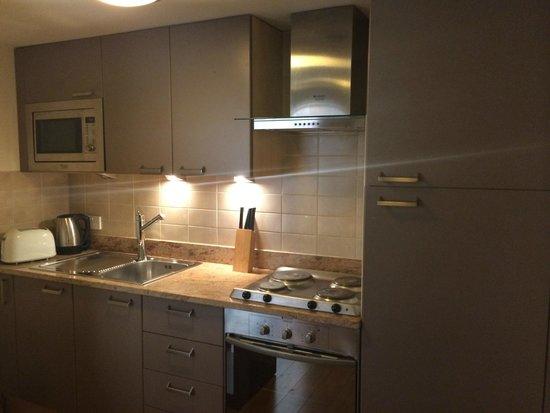 Kensington Aparthotel: Cocina del apart