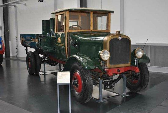 MAN Museum: トラックの展示