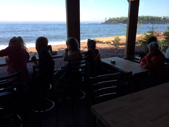 Sydney's Frozen Custard : The lake view from the back dining room