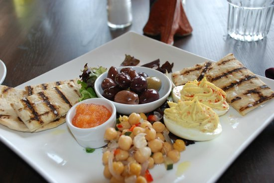 Crooked Spoon Cafe: Deviled eggs, olives, roe, pita scoopers