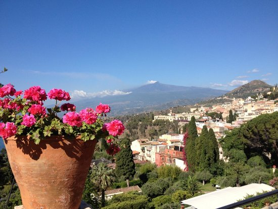 Belmond Grand Hotel Timeo: The stunning view of Mt Etna from the Timeo terrace
