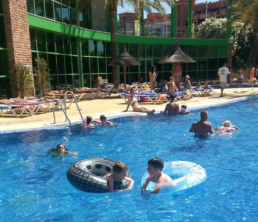 Holiday Palace: hotel pool