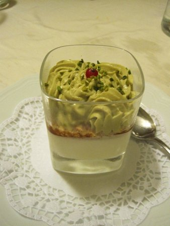 Spirito Divino : panne cotta with pistachio mousse