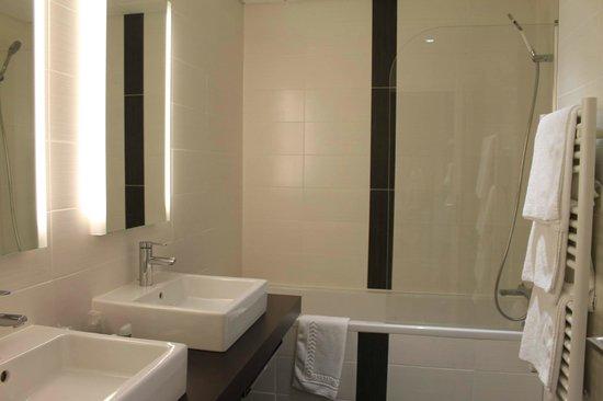 Domaine de Fompeyre : salle de bain