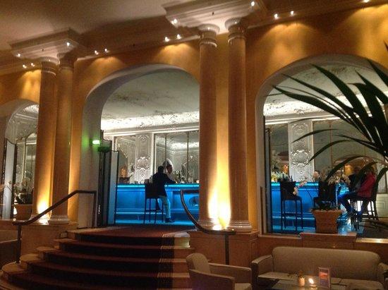 Bayerischer Hof Hotel : Bar