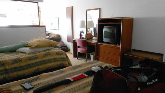 Shilo Inns Ocean Shores : Two rooms in one.