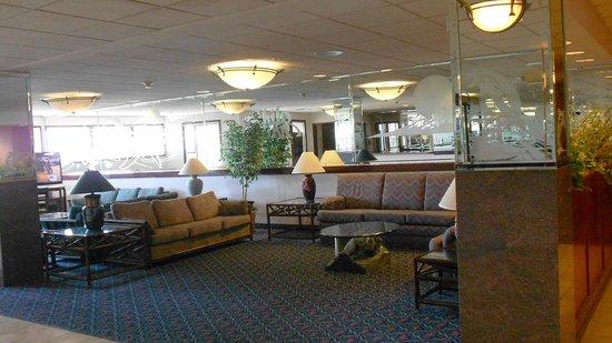 Shilo Inns Ocean Shores: Lobby.