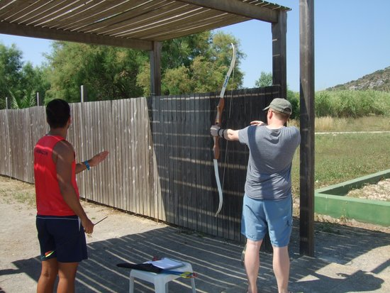 FERGUS Style Pollensa Park SPA: Fun with the archery competition.