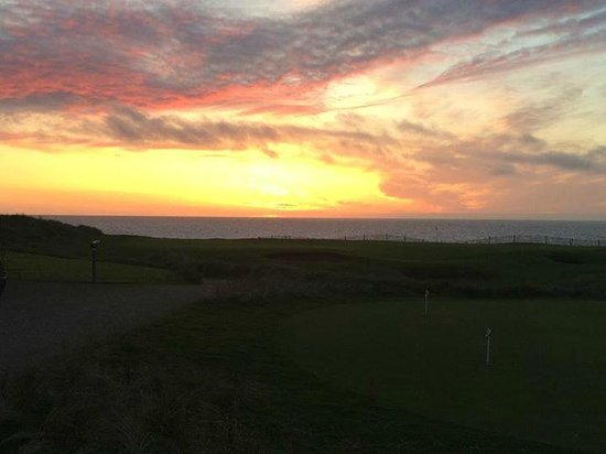 Trump International Golf Links & Hotel : the view from the putting green