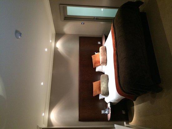 Radisson Blu Edwardian Sussex Hotel: Bed area - Executive Room