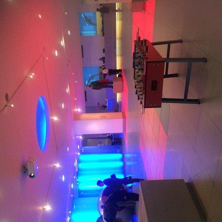 The Cumberland: Nice foyer