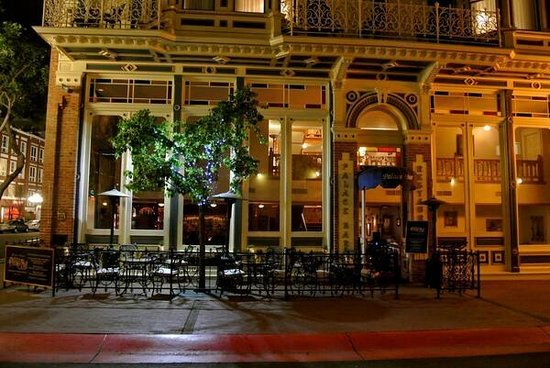 The Horton Grand Hotel: Palace Bar in the Heart of the Gaslamp Quarter