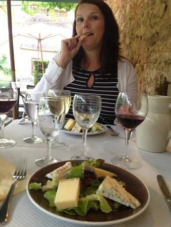 Chez Julien: Cheese course ....yum