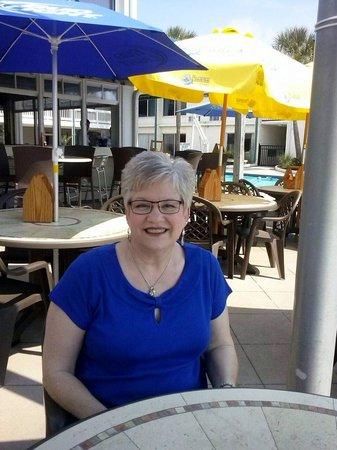 Oceanfront Litchfield Inn : Cabana Cafe Area at the inn.