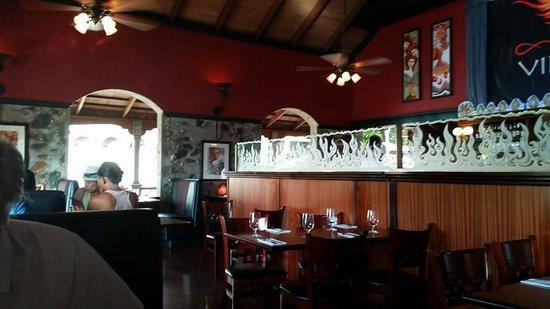 Virgin Fire Bar & Grill: Restaurant view