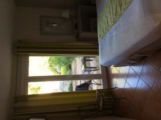 Hotel San Giovanni : chambre avec terrasse