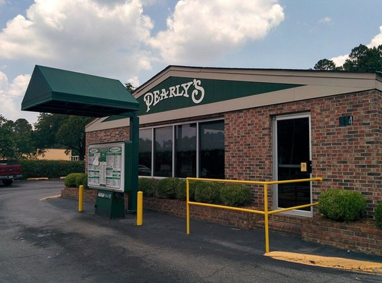 Pearly's Famous Country Cooking: Facade