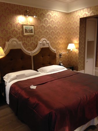 Hotel Moresco: Very comfortable bed