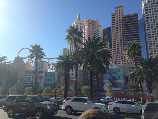 MGM Grand Hotel and Casino: Vegas during the day